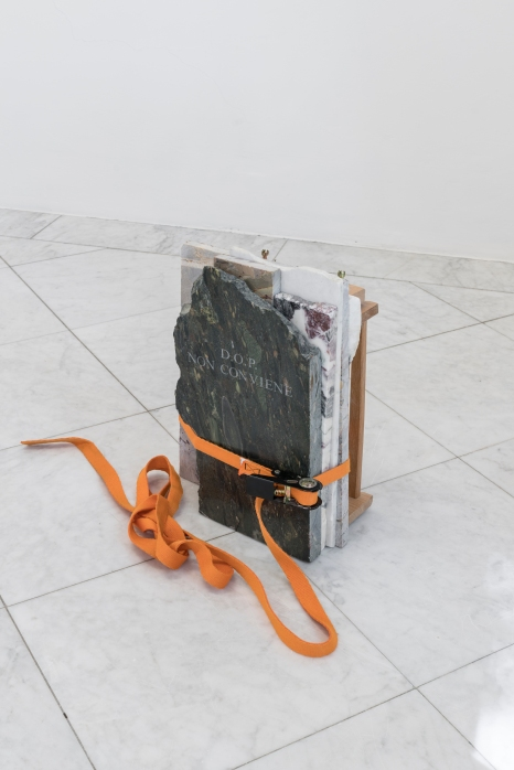 Marble and engraving, chitarra per spaghetti, ratchet strap, 52 x 31 x 17.7cm Installation, Villa Romana Florence, 2017